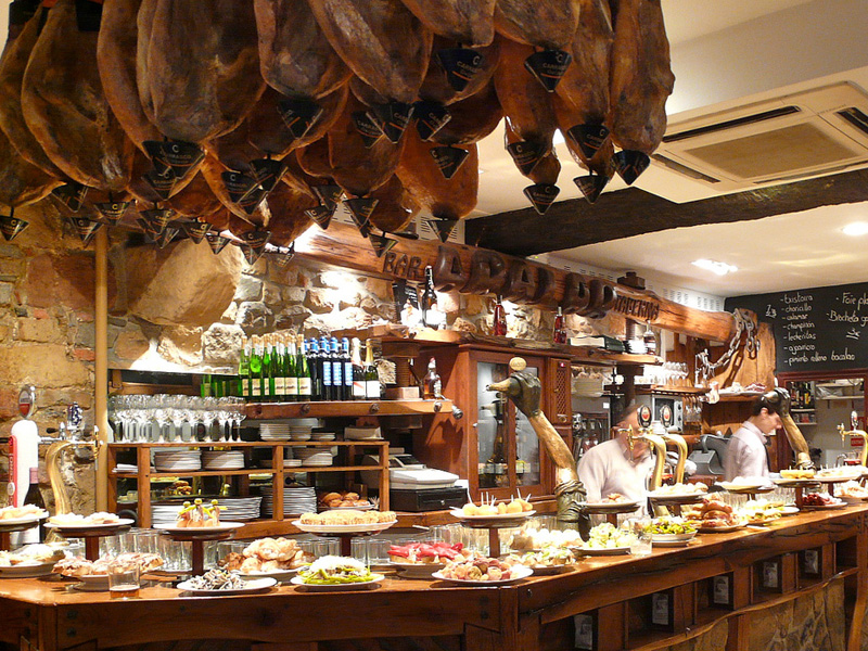 Madrid by night for foodies and tapas lovers