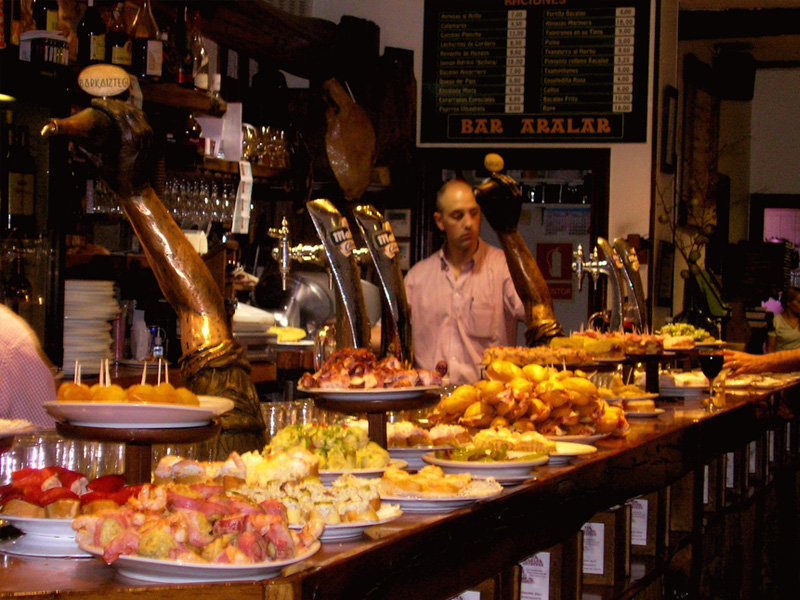 Madrid by night for foodies and wine lovers